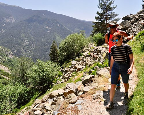 hiking in vall d'nuria